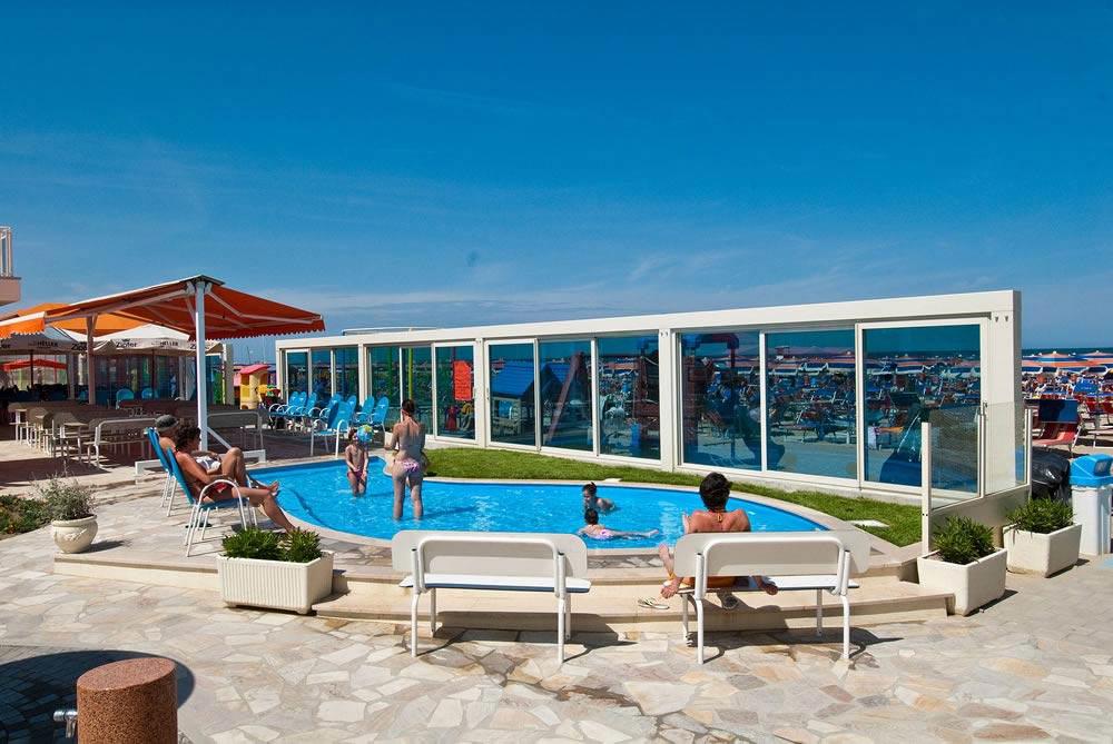 Anna 95 Bathing Establishment Hotel With Private Beach In